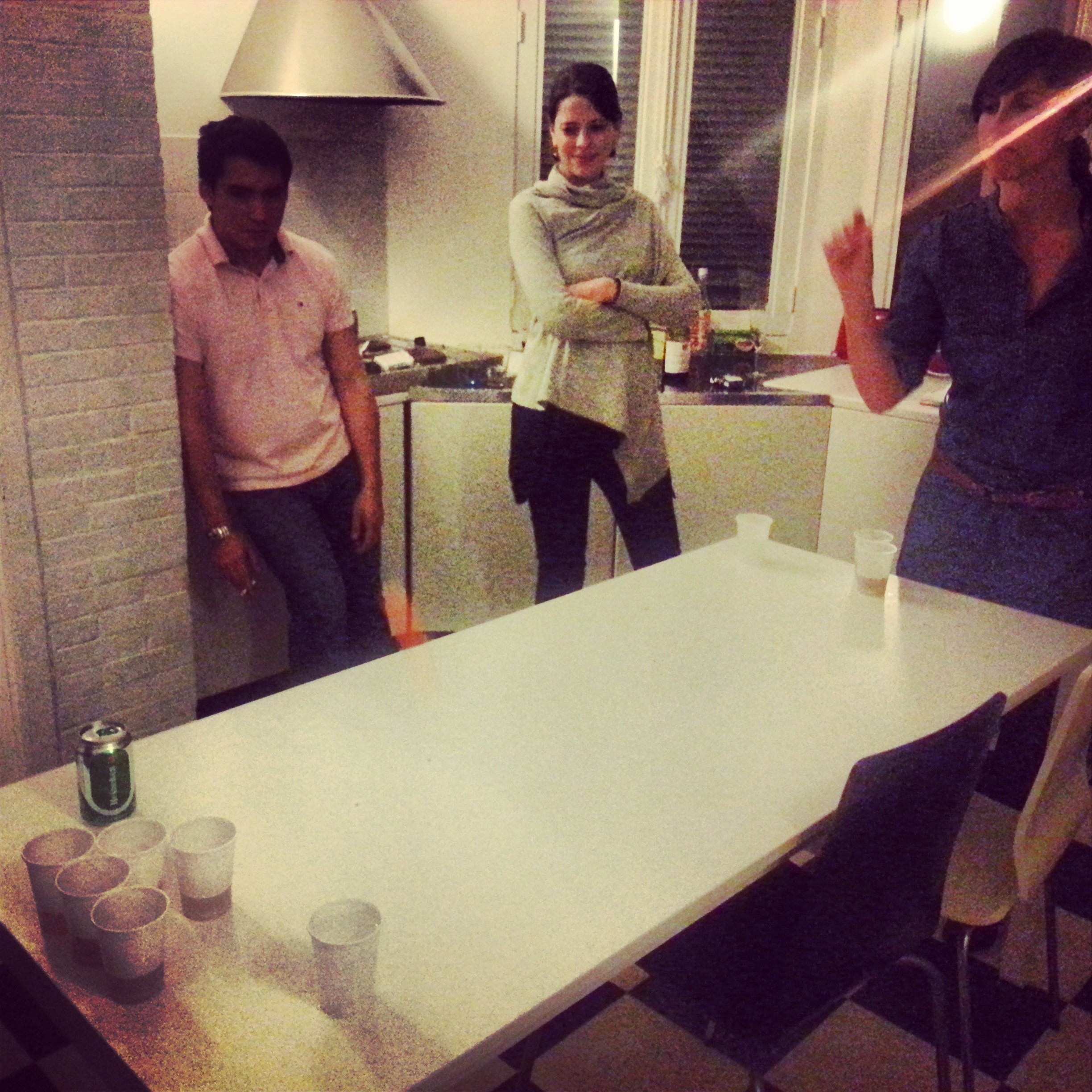 Beer pong in Fontainebleau