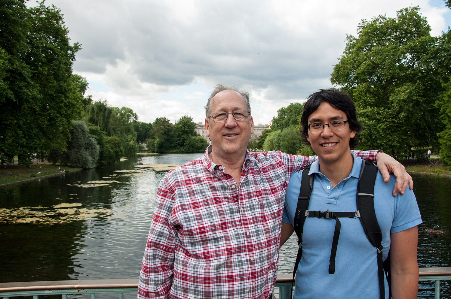 Ben & his dad near Buckingham Palace