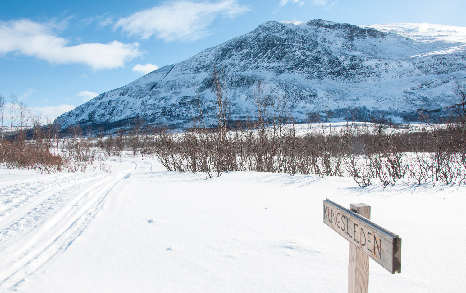 Skiing to Abiskojaure along the Kungsleden