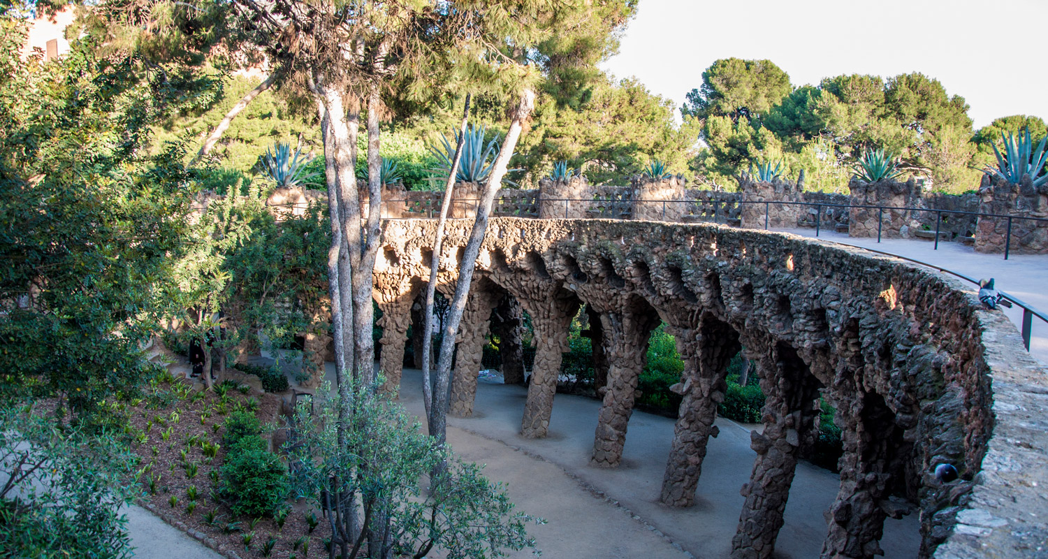 Colonnaded footpath in Park Güell