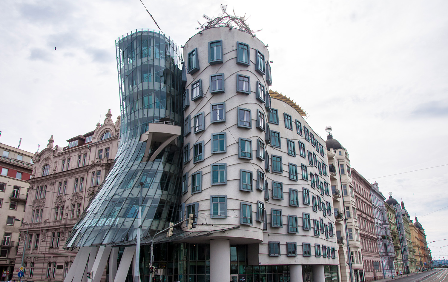 Prague modern architecture, The Dancing House